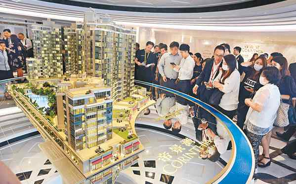 Sino and K Wah put new flats at Corinthia By The Sea project on the market on 18 June, the selling lobby was crowded. On 22 June will roll out more 127 units for the 2nd sale.
