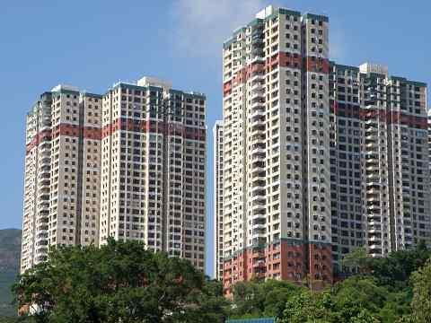 Pokfulam Gardens whose 75-year land lease expired in mid-2006 and has since been granted a 50-year extension with no additional premium charged in the last minute before the lease expiry.