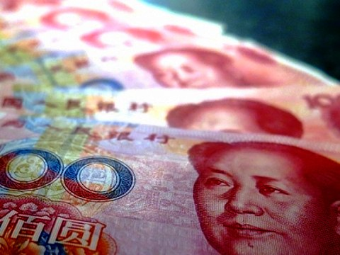 Amid its slowing economy, China must pursue its path of currency internationalization.